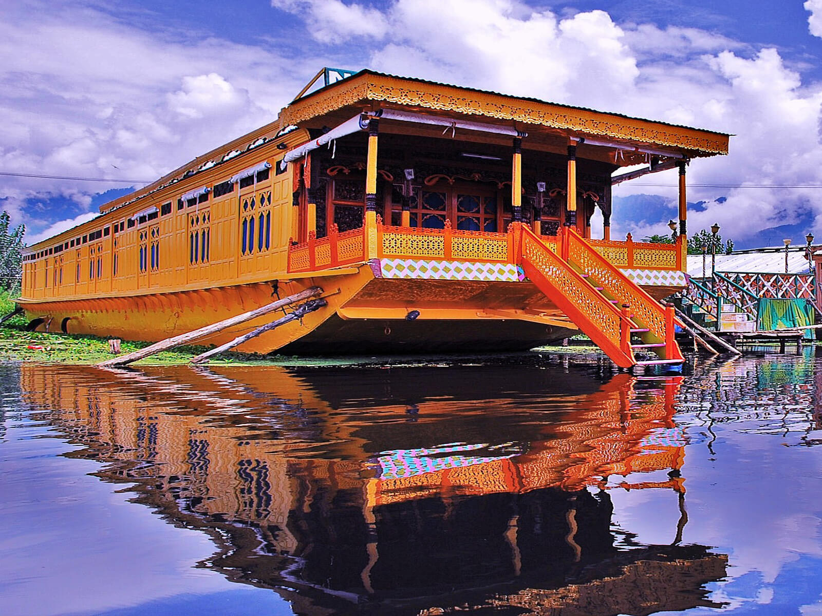 kashmir-travelco-tour-packages-1