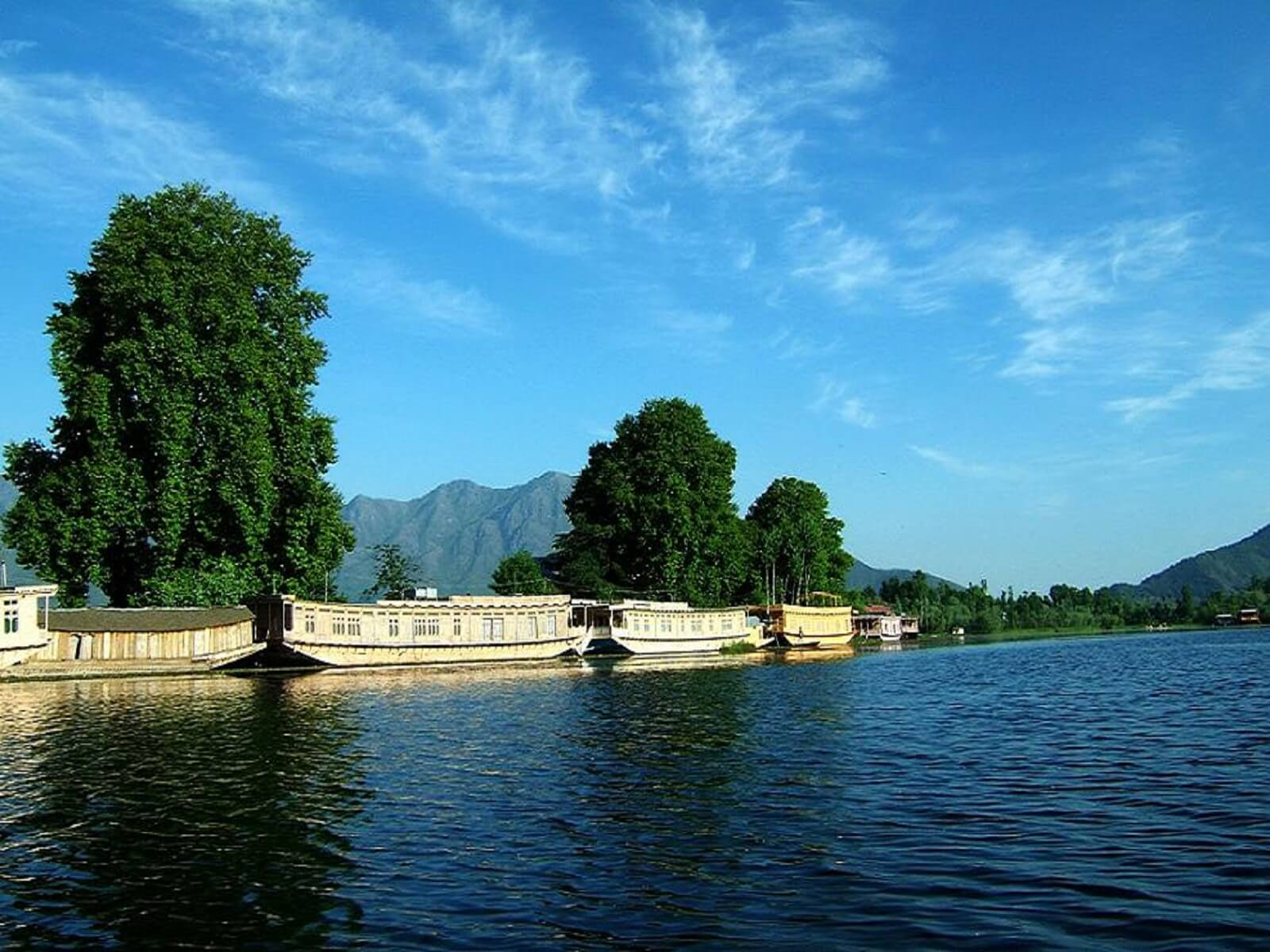 kashmir-travelco-tour-packages-4