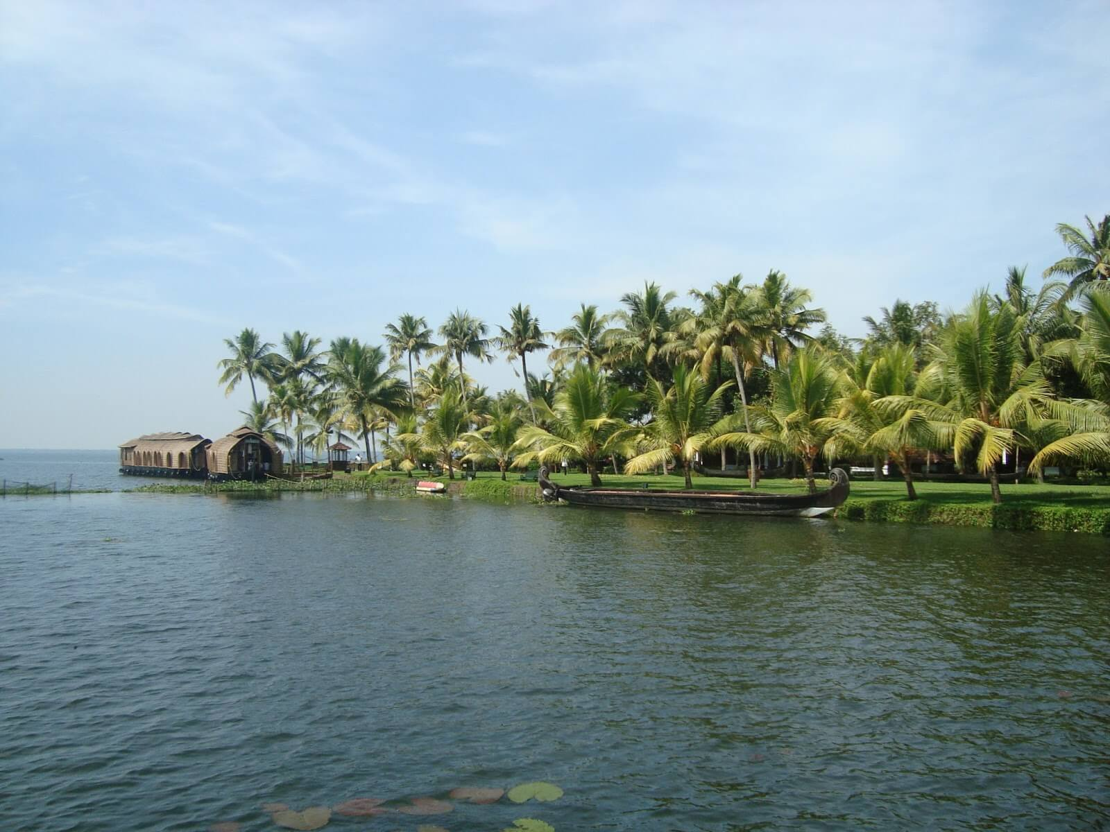 travelco-tour-packages-essential-kerala-1