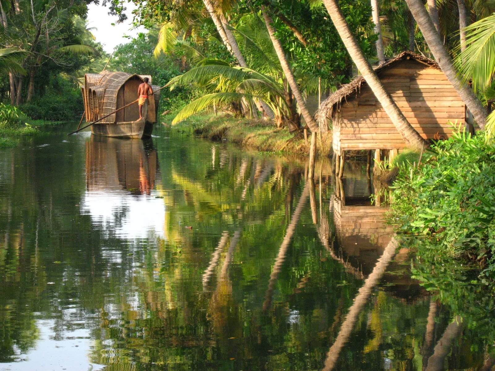 travelco-tour-packages-essential-kerala1
